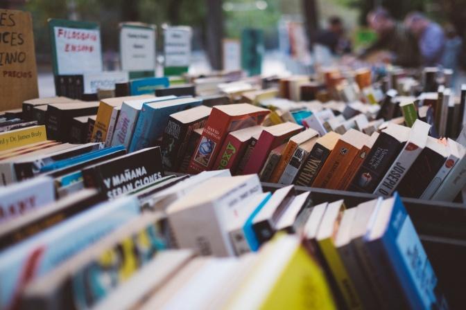 Rahasia Membaca 52 Buku Dalam Setahun