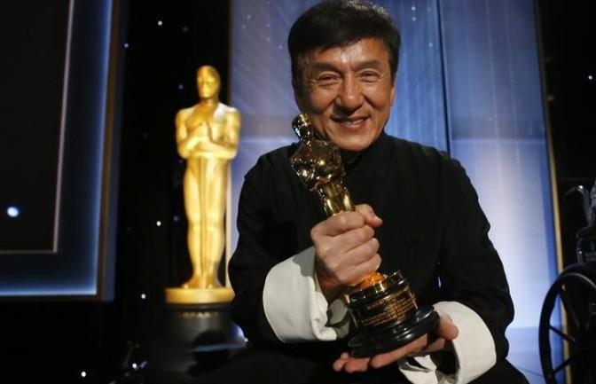 Setelah 40 Tahun, Jackie Chan Menangis Saat Bertemu Rekan Lamanya