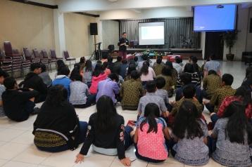 Seminar kreasi konten media sosial di SMAK Tunas Bangsa Lippo Cikarang (23/3/2018).