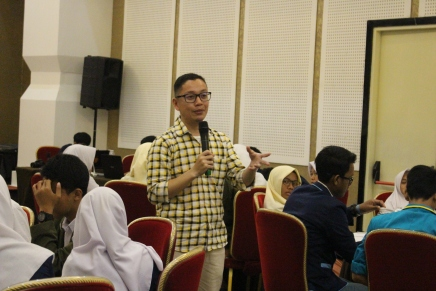Seminar public speaking dalam OSIS Assembly di Bogor (3/1/2018).