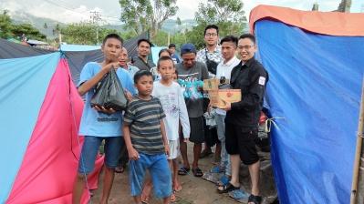 Menjadi relawan bencana gempa dan tsunami di Palu, Sigi, dan Donggala, Sulawesi Tengah (2018)